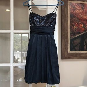PARTY / FORMAL SATIN DRESS IN NAVY BLUE